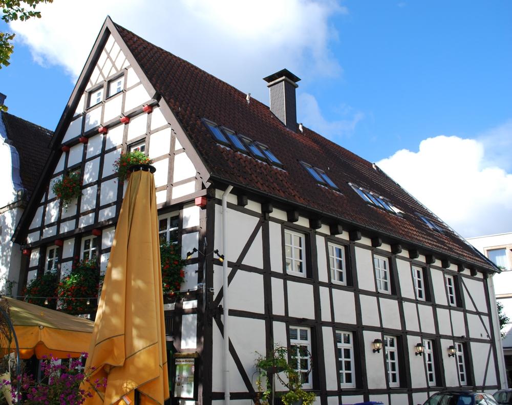 die geschichte des hauses kneipe am kirchplatz kneipe am kirchplatz. Black Bedroom Furniture Sets. Home Design Ideas